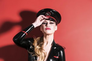 A dominatrix mais famosa do Brasil lana o livro 'Eu, Dommenique' (Divulgao/Jorge Scherer)