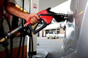 Vai ter aumento, disse Guido Mantega em relação ao preço da gasolina (Agência Brasil/Elza Fiúza)