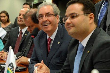 Eduardo Cunha (C) disputa eleições no fim da tarde deste domingo (ABR/Valter Campanato)