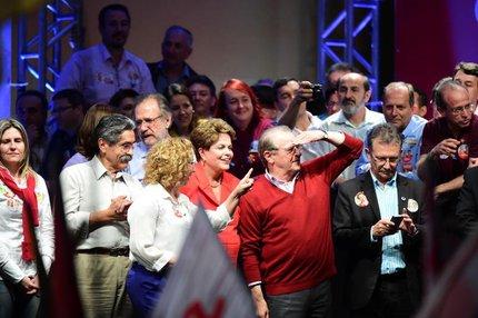 Olívio Dutra, Dilma Rousseff e Tarso Genro participaram de evento na noite de sexta na Capital (Agencia RBS/Ricardo Duarte)
