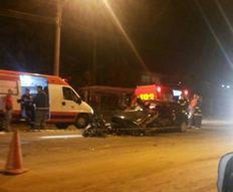 Dois carros bateram de frente (Arquivo pessoal/Raissa Starosky)