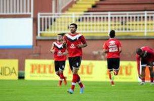 Depois de boa atuação contra o Luverdense, Thiago Medeiros ganhou a vaga (Agencia RBS/Germano Rorato)
