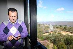 O empresário Francisco Cantarutti, mensalista de plano 4G desde junho, não está satisfeito (Agencia RBS/Tadeu Vilani)