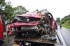 Dois dos quatro ocupantes do Logan morreram no acidente (Agencia RBS/Leo Munhoz)