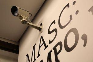 Grades de ferro, câmeras e sistema de alarme compõem sistema de segurança do Masc, na Capital (Agência RBS/Daniel Conzi)