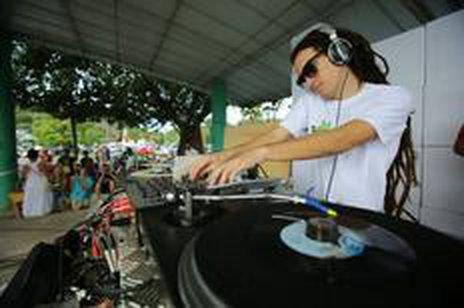 No sábado, rola o Maj Sounds no Mercado Público, com discotecagem e atrações artísticas (Divulgação/Tiago Pavan)