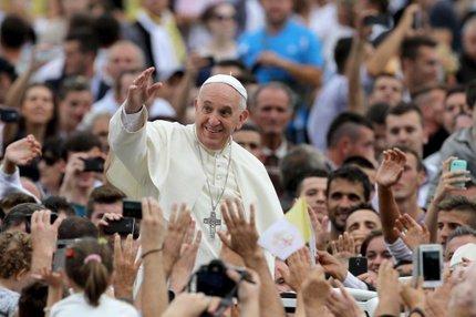 Papa Francisco criticou religiosos que utilizam Deus como pretexto para praticar violência (AFP/GENT SHKULLAKU)
