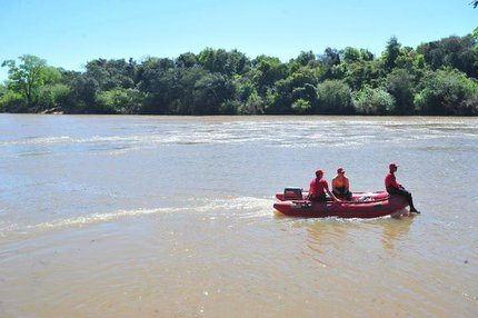 (Agencia RBS/Restinga Seca 2014,sumiu após batismo,batismo,Rio Jacuí,rio jacuí,jacuí 2014,Rafael Carvalho,afo)