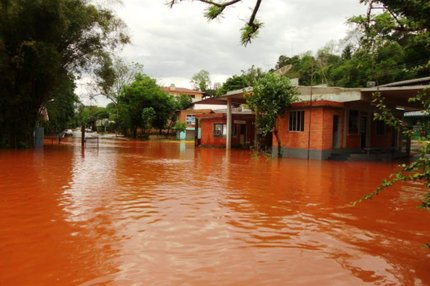 Em Porto Mau�, no Norte, n�vel do Rio Uruguai subiu cerca de 9 metros (Arquivo Pessoal/Vilson Winkler)