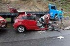 Uma das mortes aconteceu na BR-470, em Pouso Redondo, em uma colisão entre carro e caminhão (Divulgação/Corpo de Bombeiros Pouso Redondo Divulgação)