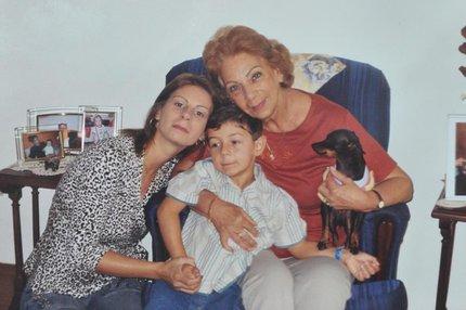 Odilaine (à esquerda) ao lado do menino Bernardo e da mãe Jussara Uglione (Arquivo Pessoal/Arquivo Pessoal)