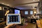 Por tablet ou celular se tem o controle de todo sistema de áudio, vídeo e climatização no Home Theater, projeto do ID Arquitetura (Agencia RBS/Felipe Carneiro)