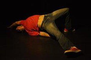 O bailarino Rafael Guarato será o responsável pelas aulas da primeira experiência do projeto Curto-Circuito (Divulgação/Ariadna Medeiros)