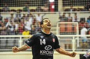 Vander Carioca marcou dois gols na partida (Agencia RBS/Rodrigo Philipps)