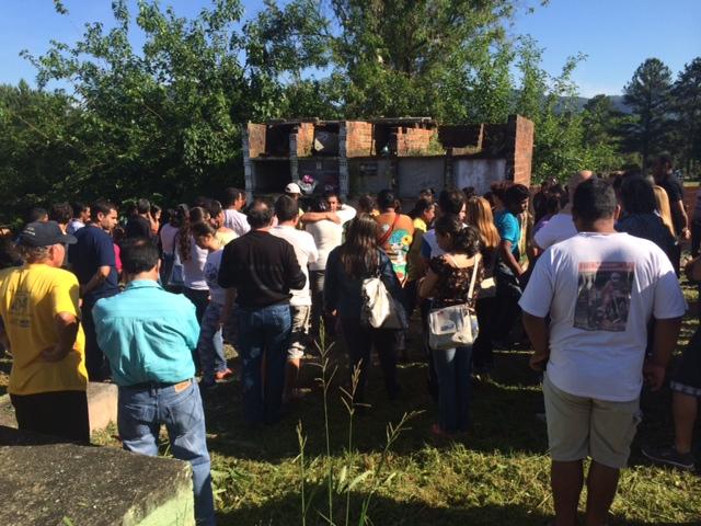 Adolescente foi enterrada na manhã desta quinta-feira no Cemitério São José (Agência RBS/Pâmela Rubin Matge)