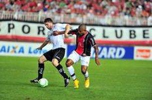 Contra o Bragantino, o JEC completou cinco partidas seguidas sem sofrer gols na Série B (Agência RBS/Rodrigo Philipps)