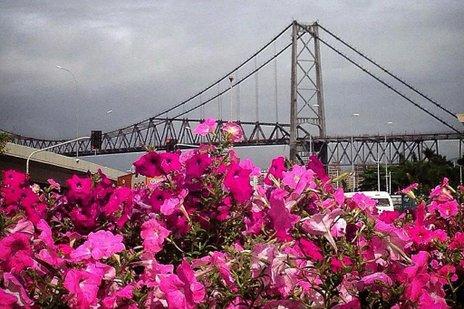 Em Florianópolis, dia amanheceu nublado, mas termômetros podem registrar 28°C nesta segunda (Agencia RBS/Guto Kuerten)