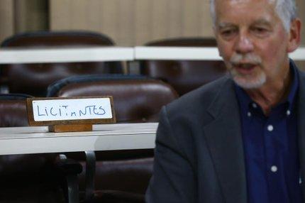 Fortunati esteve na tarde desta segunda-feira no auditório da EPTC para receber propostas de empresas de ônibus para a licitação, mas não houve interessados (Agencia RBS/Mauro Vieira)