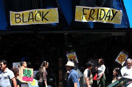 No centro de Porto Alegre, lojas tiveram vendas até cinco vezes superiores a uma sexta-feira habitual (Agencia RBS/Diego Vara)