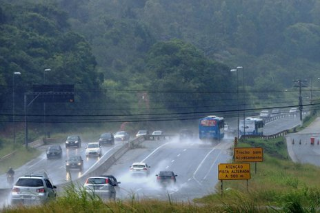 Florianópolis teve tarde chuvosa, mas sem intercorrências (Agencia RBS/Charles Guerra)