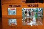 Ruas ficaram alagadas com as chuvas que atingiram Pouso Redondo (Divulgação/Lucas Fach)