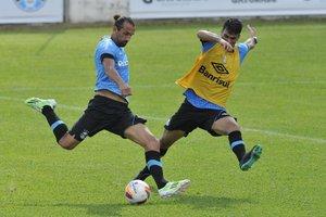 Barcos foi o escolhido por Felipão como titular do ataque no treino desta quarta (Agencia RBS/Lauro Alves)