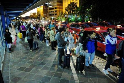 Dia das Mães de 2014 foi um exemplo de falta de táxis na rodoviária da Capital (Especial/Diogo Zanatta)