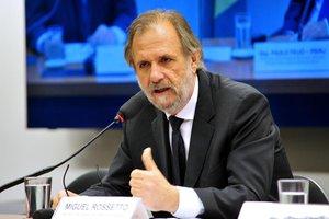 Miguel Rossetto garante que o governo criou condições claras para a suspensão do movimento (Câmara dos Deputados/Zeca Ribeiro)