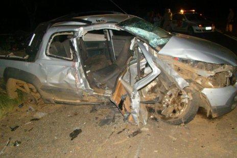 No Oeste do Estado, duas pessoas morreram após uma colisão entre dois veículos (PMRV/Divulgação)