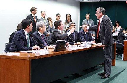 Parlamentares discutiram durante a sessão (Câmara dos Deputados/William Sant'ana)
