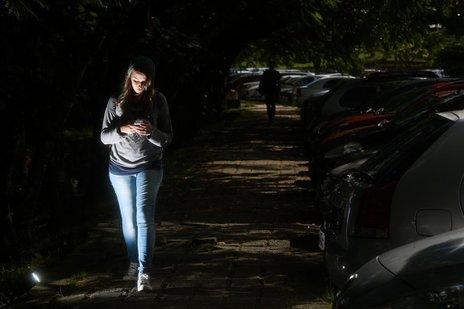 Reitora diz que está investindo em iluminação, mas alunos ainda se queixam da estrutura (Agencia RBS/Marco Favero)