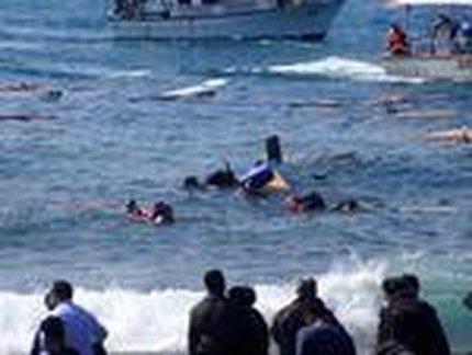 Naufrágio no domingo deixou 800 mortos (EUROKINISSI/ARGIRIS MANTIKOS)