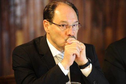 Governador deve encaminhar nos próximos dias projeto para postergar pagamento de reajuste (Agencia RBS/Ronaldo Bernardi)