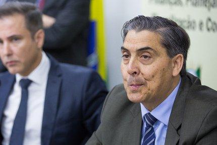 Secretário da Fazenda, Giovani Feltes, diz que falta dinheiro para pagar toda a folha sem a necessidade de parcelamentos (Agência RBS/Omar Freitas)