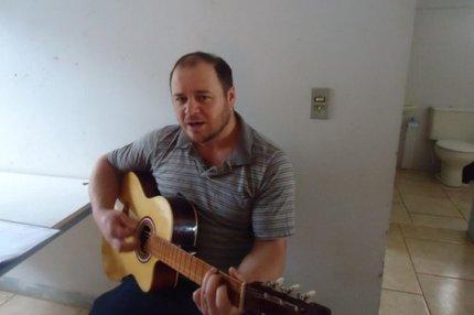 O homicídio aconteceu pela manhã, dentro da casa paroquial, onde Eduardo trabalhava (Rádio Tapejara/Divulgação)