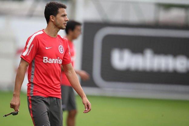 Nilmar (na foto, em treino do dia 15 de maio) deve sair jogando na partida contra o time colombiano, no Beira-Rio (Agencia RBS/Fernando Gomes)