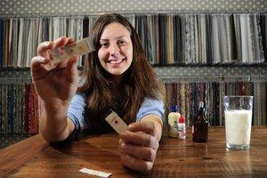 Joana Pasquali criou um dispositivo que verifica em apenas um minuto se o leite foi adulterado (Agencia RBS/Porthus Junior)