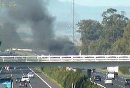 O incidente ocorreu na altura do quilômetro 43 da BR-290, sentido Capital ¿ Litoral (Divulgação/PRF)