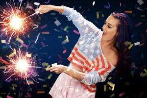 Katy Perry faturou US$ 135 milhões entre 2014 e 2015 com sua turnê Prismatica World Tour (Divulgação/0)