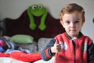 Garoto de três anos precisa encontrar um doador de medula óssea (Agencia RBS/Rodrigo Philipps)