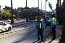 EPTc bloqueou o trânsito no local do acidente (Agencia RBS/Daniel Fraga)