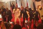 Obama dançou ao som do grupo queniano Sauti Sol (Instagram/Sautisol/Reprodução)