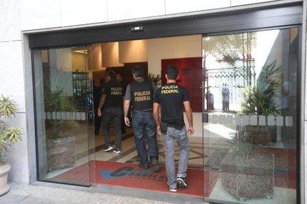Agentes da Polícia Federal estiveram no prédio da Eletronuclear, no centro do Rio de Janeiro, na terça-feira no cumprimento de mandados da 16ª fase da Lava-Jato (ESTADÃO CONTEUDO/FÁBIO MOTTA)