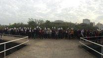 Funcionários estaduais se concentram em frente ao Centro Administrativo (Felipe Daroit/Rádio Gaúcha)