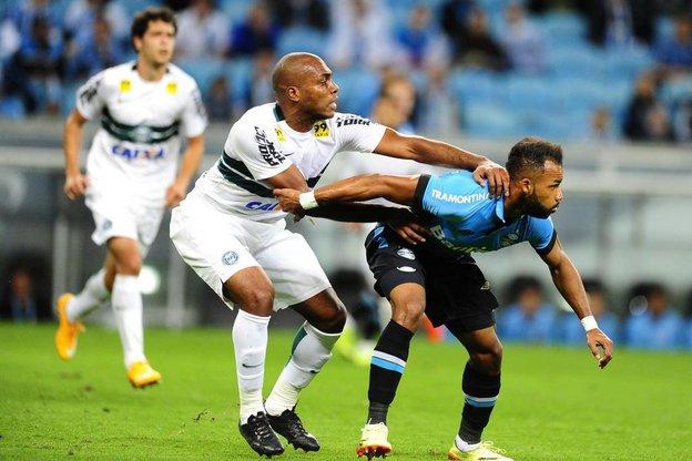 Montamos o time para sufocar o Grêmio e desgastá-lo na parte física até o final, disse Ney Franco (Agencia RBS/Fernando Gomes)