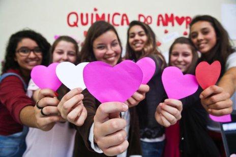Alunas do 2o ano do Ensino Médio do Instituto Estadual de Educação (Agencia RBS/Betina Humeres)