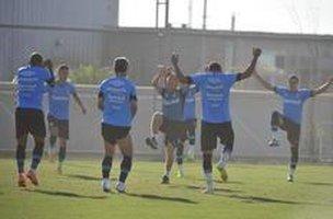 Rogerinho (ao centro) foi efetivado como preparador físico do grupo principal em maio (Agencia RBS/Lauro Alves)