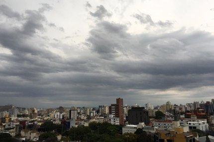 Em Porto Alegre, a quarta-feira amanheceu nublada; temperatura era de 19ºC (Arquivo Pessoal/Jeferson Dias)