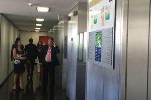 Nenhum servidor tem acesso ao 20º andar do Senado, onde agentes da PF fazem buscas (Rádio Gaúcha/Renata Colombo)