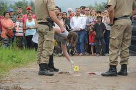 Na terla-feira, dois homens foram mortos no bairro Comasa, em Joinville (Agencia RBS/Salmo Duarte)